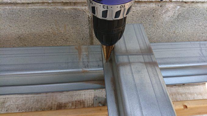 ウッドデッキ基礎ZAM鋼製材穴あけ
