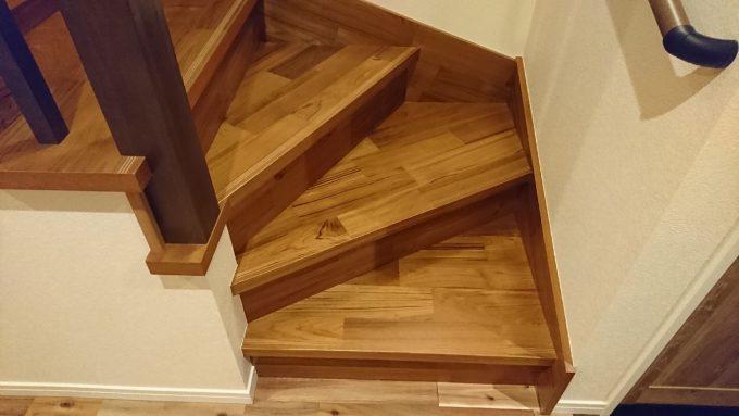 新築注文住宅・ボックス階段(廻り階段)