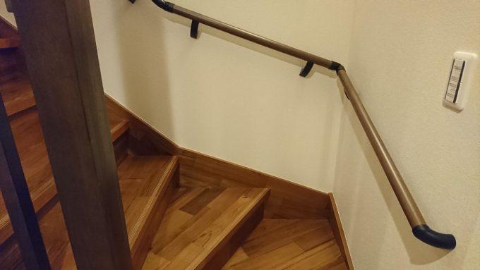 新築注文住宅・ボックス階段と手すり