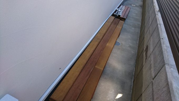 ウッドフェンスDIY・フェンス材はハードウッドのイタウバ20mm×105mm×2100mm