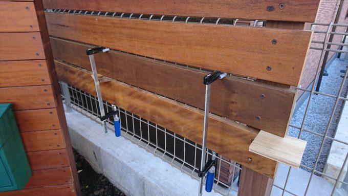 ウッドフェンスDIY:ハードウッド板張り
