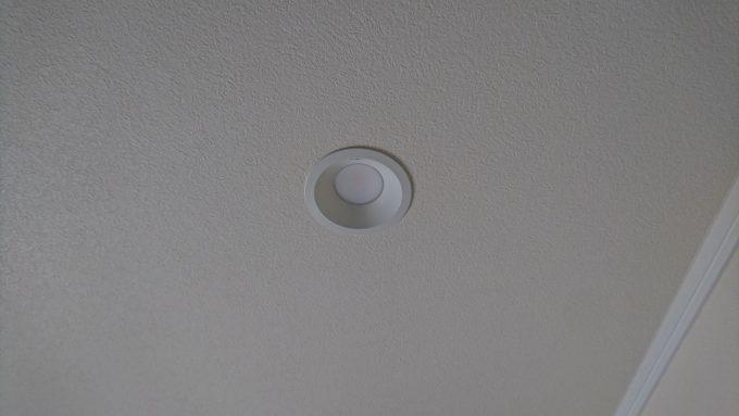 新築戸建て・2階廊下天井照明・シンプルなLEDダウンライト