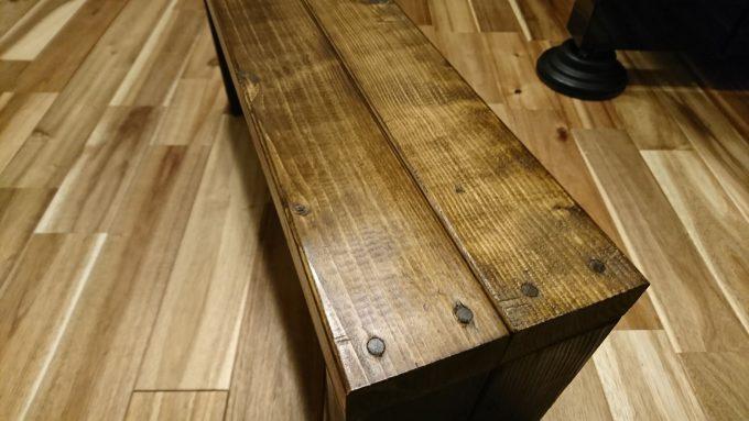SPF製子供用ベンチ兼小物置き完成・表面はカンペハピオ塗装後にブライワックス(クリア)で仕上げ磨き
