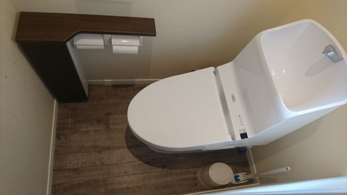 【WEB内覧会】2階トイレ0.75帖の狭いトイレTOTO・ZJ