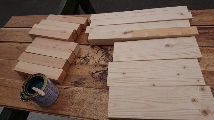 ガーデニング用スツール花台のパーツSPFと荒松材