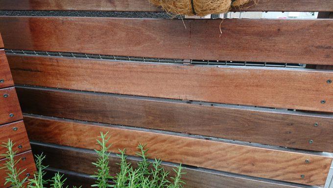 イタウバ製ウッドフェンス塗装メンテナンス・オイルステイン塗装